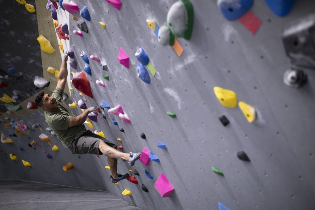 Obe Carrion bouldering, climbing